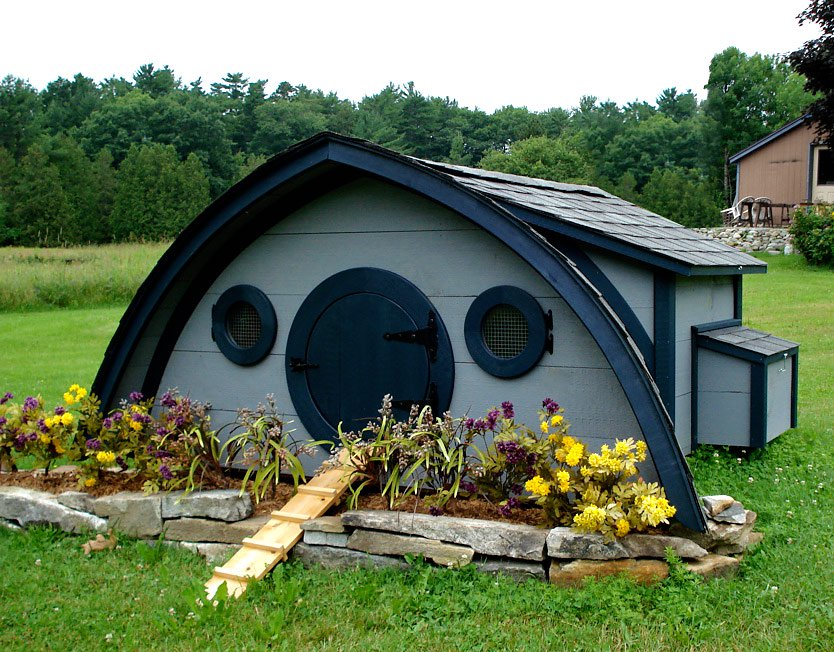 Hobbit hole chicken coop largefrom my pet chicken Make your own hen house