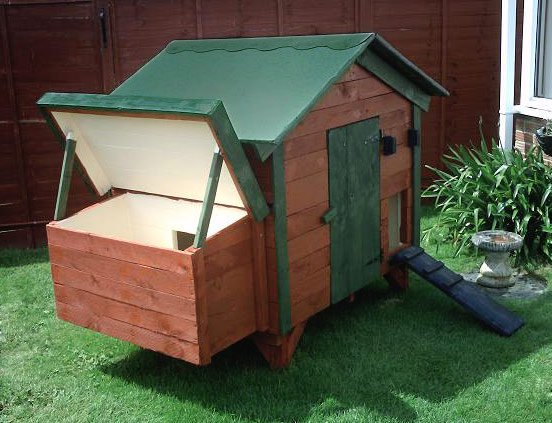 backyard chicken coop made of recycled pallets, pallet wood coop
